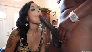 Skin Diamond wraps her moist lips round a massive dick Thumbnail