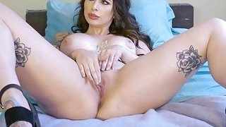 Hot babes Ivy and Monique in threesome Thumbnail