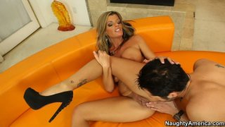 Sexy milf Kristal Summers likes cunnilingus and young cocks in her pussy Thumbnail
